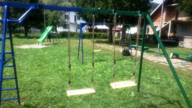 Obnovljen park za djecu